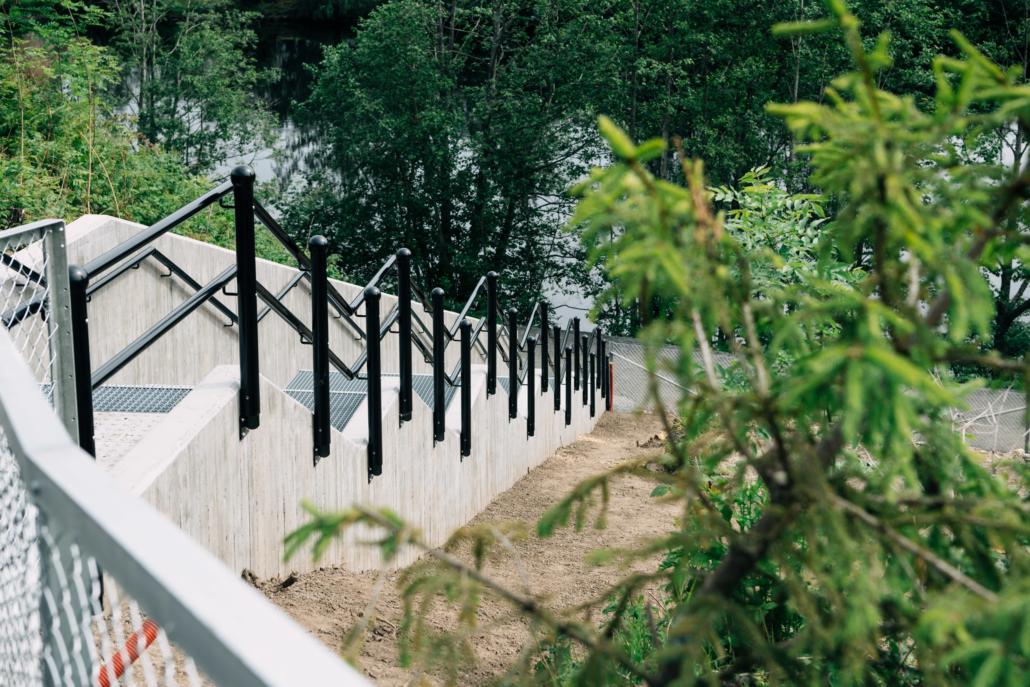 Betongtrapp fra Jernbanebrua