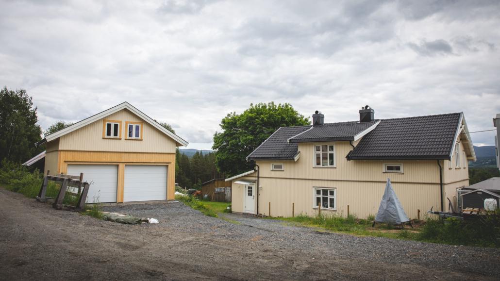 Restaurert hus og ny garasje